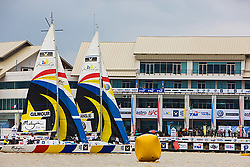2008 Monsoon Cup. Peter Gilmour and Ben Ainslie starting in front of the watching crowd. (Thursday  5th December 2008). .