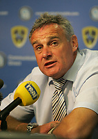 Photo: Lee Earle.<br /> Cardiff City v Hull City. Coca Cola Championship. 28/04/2007.Cardiff manager Dave Jones speaks to the press after the match.