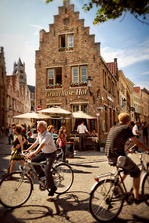 Photo of the bustle around Gruuthuse Hof in Bruges, Belgium.