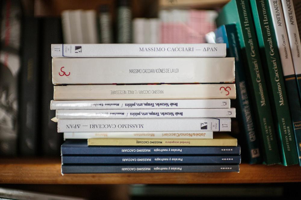 27 JUN 2012 - Venezia - La biblioteca di Massimo Cacciari:-: Massimo Cacciari' library
