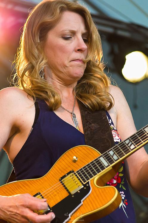 Susan Tedeschi performing with Derek Trucks at the 2012 Appel Farm Arts & Music Festival.