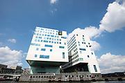 In Amsterdam staat aan het IJ het Paleis van Justitie.<br /> <br /> The courthouse at the IJ in Amsterdam.