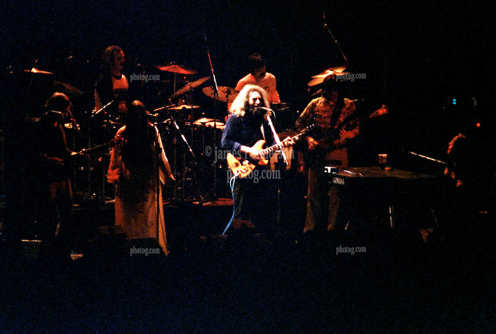 Grateful Dead Concert New Haven Coliseum 17 January 1979. Full Band straight on view.