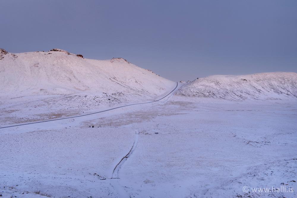 Mountains scenery at sunrise, Nesjavellir, Iceland - Fjallasýn á Nesjavallaleið