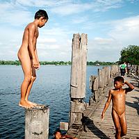 Boys swimming near U Bein bridge