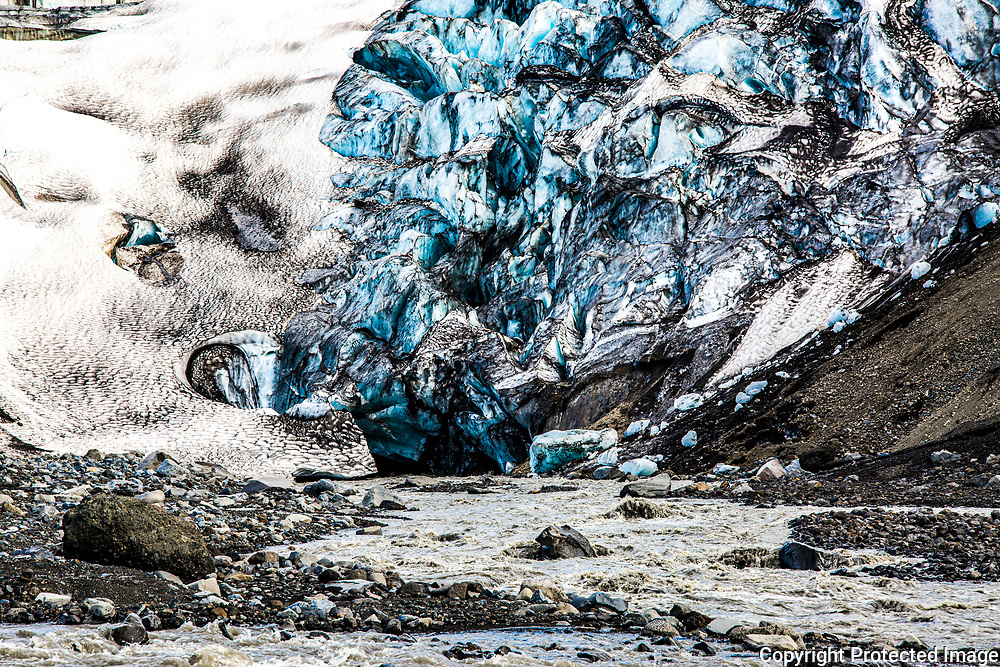 The snout of the Kverkjökull outlet glacier at the