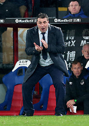 """Everton caretaker manager David Unsworth during the Premier League match at Selhurst Park, London. PRESS ASSOCIATION Photo. Picture date: Saturday November 18, 2017. See PA story SOCCER Palace. Photo credit should read: Steven Paston/PA Wire. RESTRICTIONS: EDITORIAL USE ONLY No use with unauthorised audio, video, data, fixture lists, club/league logos or """"live"""" services. Online in-match use limited to 75 images, no video emulation. No use in betting, games or single club/league/player publications."""