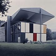 Zurich, Switzerland, Seefeld, 1981: Pavillion Le Corbusier (1967), Heidi Weber Museum at Zürichhorn Park, Switzerland. - Le Corbusier arch - Photographs by Alejandro Sala