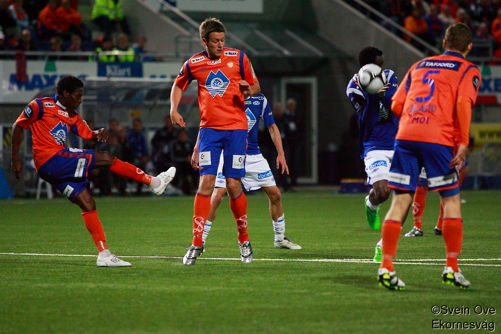 Bilder fra lokalderbyet mellom AaFK og Molde på Color Line Stadion.