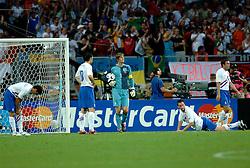 25-06-2006 VOETBAL: FIFA WORLD CUP: NEDERLAND - PORTUGAL: NURNBERG<br /> Oranje verliest in een beladen duel met 1-0 van Portugal en is uitgeschakeld / Teleurstelling bij de 1-0 vlnr Boulahrouz, v Bommel,  van der Sar en Ooijer<br /> ©2006-WWW.FOTOHOOGENDOORN.NL