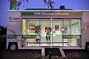 Nederland, Groesbeek, 15-11-2011Een mobiel infocentrum van KPN staat in het centrum van het dorp om mensen te interesseren voor een glasvezel abonnement.Foto: Flip Franssen/Hollandse Hoogte