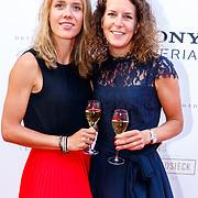 NLD/Amsterdam/201807 - Leading Ladies Awards 2018, schaatster Ireen Wust en partner Letitia de Jong
