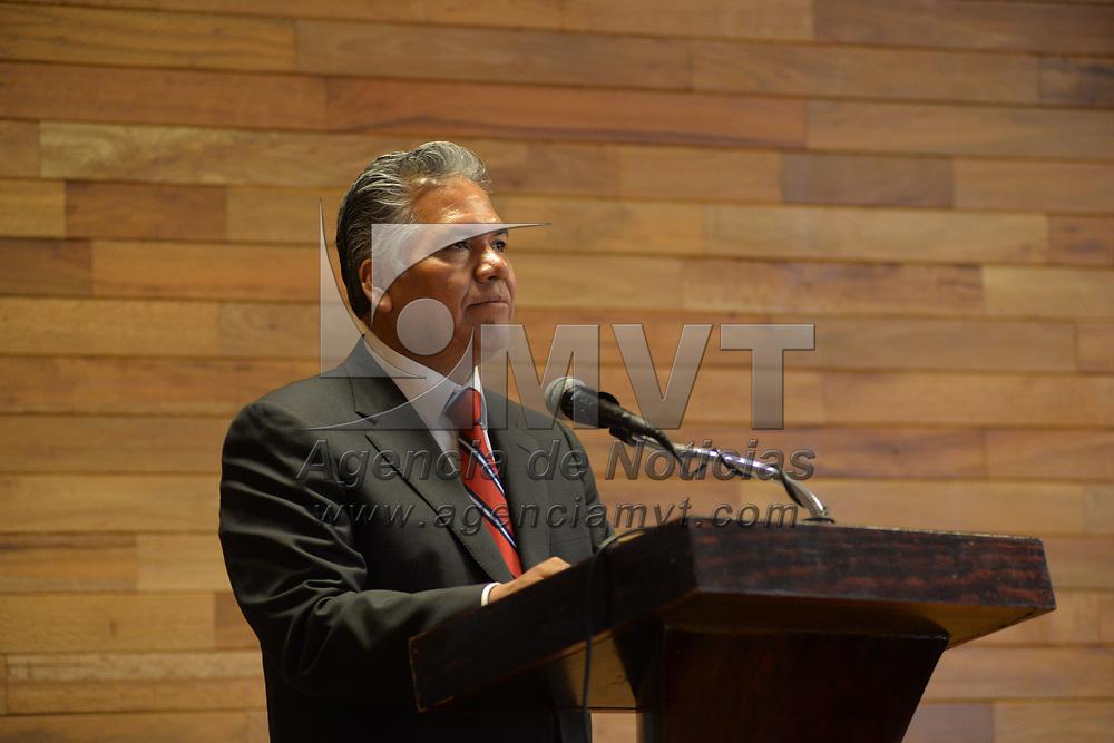 Toluca, México.- (Febrero 27, 2018).- Fernando Zamora Morales, presidente municipal de Toluca durante el Panel Mexiquense de la Agenda 2030 y Gobernanza Metropolitana. Agencia MVT / Crisanta Espinosa.