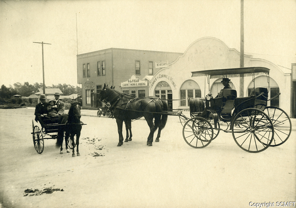1910 Carriages on Sunset Blvd., just west of Cahuenga Ave.