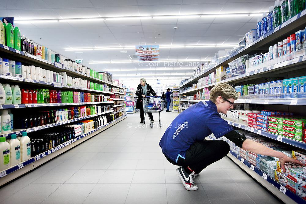 Nederland, Amsterdam , 14 februari 2013..Action winkelfiliaal sinds vandaag op de Europaboulevard geopend...Foto:Jean-Pierre Jans