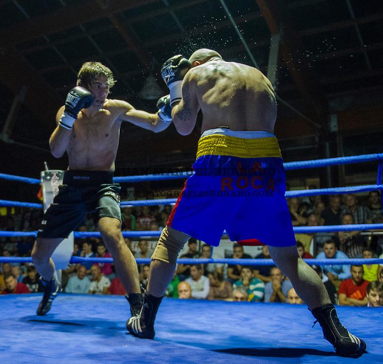 20-10-2013 renedo de pielagos <br /> velada de boxeo <br /> Sergio Garcia vs Rafael Chiruta<br /> <br /> Fotos: Juan Manuel Serrano Arce