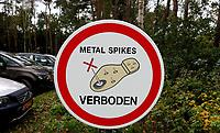 LIEREN - Metal Spikes verboden. Golf- en Businessclub De Scherpenbergh. COPYRIGHT KOEN SUYK