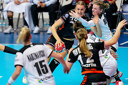08-12-2019 JAP: Netherlands - Germany, Kumamoto<br /> First match Main Round Group1 at 24th IHF Women's Handball World Championship, Netherlands lost the first match against Germany with 23-25. / Kelly Dulfer #18 of Netherlands, Amelie Berger #3 of Germany