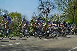 17-04-2011 WIELRENNEN: AMSTEL GOLD RACE: VALKENBURG<br /> Het peloton beklimt de Wolfsberg<br /> ©2011-WWW.FOTOHOOGENDOORN.NL / Peter Schalk