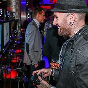 NLD/Amsteram/20121025- Lancering Assassin's Creed game, Ben Saunders speelt een spel
