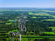 Nederland, Noord-Holland, gemeente De Ronde Venen, 02-09-2020; het dorp Vinkeveen , gezien naar her Naardermeer.<br /> The village of Vinkeveen, seen towards Naardermeer.<br /> luchtfoto (toeslag op standaard tarieven);<br /> aerial photo (additional fee required)<br /> copyright © 2020 foto/photo Siebe Swart
