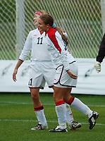 Ingrid Camilla Fosse Sæthre, Norge. Marianne Pettersen, Norge. A-landslaget 2003. Fotball. EM-kvalifisering kvinner. Spania - Norge 0-2. Las Rozas, Madrid, Spania. 16. november 2003. (Foto: Peter Tubaas/Digitalsport)