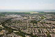 Nederland, Flevoland, Almere, 14-07-2008; Muziekwijk, woonbuurt, huis met een tuin, schuur, gammaschutting; schutting, kindvriendelijk wonen, kleinschalig, benauwd, speelweide, buiten spelen .huisje-boompje-beestje; . .luchtfoto (toeslag); aerial photo (additional fee required); .foto Siebe Swart / photo Siebe Swart