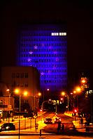 Bialystok, 10.12.2020. Z okazji rozpoczynajacego sie szczytu Unii Europejskiej oswietlony zostal barwami flagi unijnej budynek urzedu miejskiego N/z urzad miejski z wyswietona na nim flaga UE fot Michal Kosc / AGENCJA WSCHOD