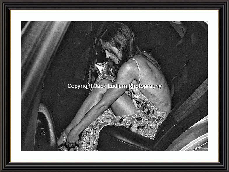 Elizabeth Hurley b/W <br /> Picture Jack Ludlam SEP 98<br />  Collectors Signed Archive Musuem A3 Print