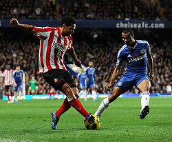 14.11.2010, Stamford Bridge, London, ENG, PL, FC Chelsea vs FC Sunderland, im Bild Sunderland's Kieran Richardson and Chelsea`s Ashley Cole  -  Chelsea vs Sunderland  in the Barclays Premier League  at Stamford Bridge stadium in London on 14/11/2010. EXPA Pictures © 2010, PhotoCredit: EXPA/ IPS/ Rob Noyes +++++ ATTENTION - OUT OF ENGLAND/UK +++++