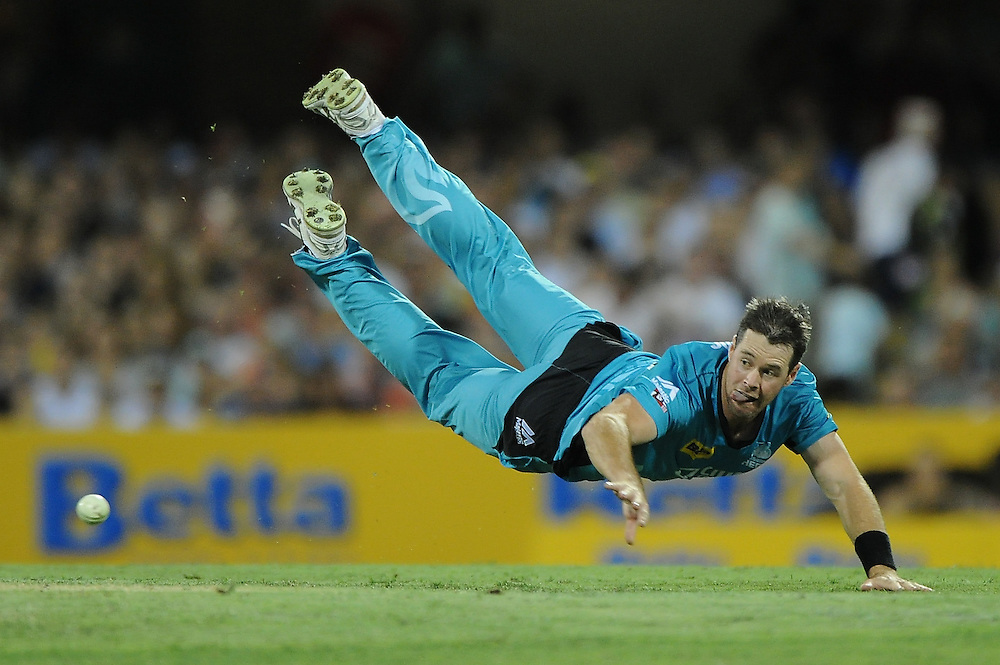 BRISBANE, AUSTRALIA - JANUARY 04:  Daniel Christian of the Heat fields during the Big Bash league match between the Brisbane Heat and the Adelaide Strikers at The Gabba on January 4, 2015 in Brisbane, Australia.  (Photo by Matt Roberts/Getty Images)