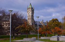 Dunedin, uma das cidades mais ao sul do país, é uma cidade histórica. Colonizada por imigrantes vindos da Escócia, a cidade foi fundada com o intuito de ser a nova Edinburgo. Traços desta colonização encontram-se até hoje em prédios históricos como o da Universidade de Otago. FOTO: Lucas Uebel/Preview.com