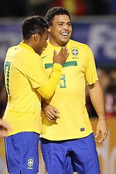 Ronaldo Nazario e Robinho durante jogo amistoso em homenagem por sua carreira de sucesso em seu último jogo pela seleção brasileira de futebol, um amistoso contra Roménia em 07 de junho de 2011 no Estádio do Pacaembu, em São Paulo. FOTO: Jefferson Bernardes/Preview.com