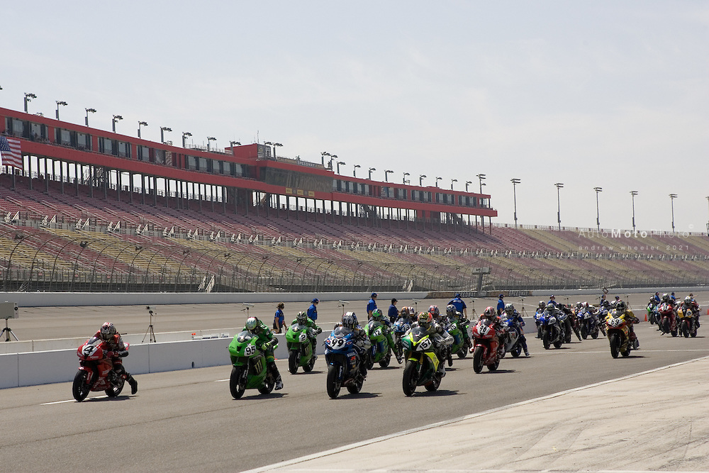 Round 3 of the 2007 AMA Superbike Championship at the California Speedway, Fontana, April 27 - April 29, 2007.<br /> <br /> :: Images shown are not post processed ::Contact me for the full size file and required file format (tif/jpeg/psd etc) <br /> <br /> :: For anything other than editorial usage, releases are the responsibility of the end user and documentation/proof will be required prior to file delivery.