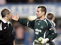 Photo: Marc Atkins.<br /> Chelsea v Newcastle United. The Barclays Premiership. 13/12/2006. Newcastle Utd Captain Shay Given of hs 300th appearance for the club.
