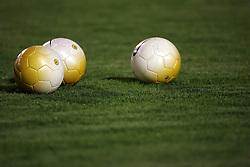 Bolas oficias da NIKE, no gramado do estádio Beira Rio. FOTO: Jefferson Bernardes/Preview.com