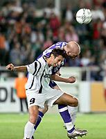 Fotball<br /> Foto: Gepa/Digitalsport<br /> NORWAY ONLY<br /> <br /> 11.08.2005<br /> UEFA Cup, FC Superfund Pasching vs FC Zenit St. Petersburg. Bild zeigt Erik Hagen (St. Petersburg) und Eduard Glieder (Pasching).