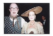 Lord and Lady Alexander. 1999. © Copyright Photograph by Dafydd Jones 66 Stockwell Park Rd. London SW9 0DA Tel 020 7733 0108 www.dafjones.com