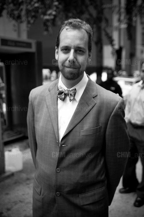 Man in the street, Flatiron disctrict. New York City, 16 june 2010. Christian Mantuano / OneShot
