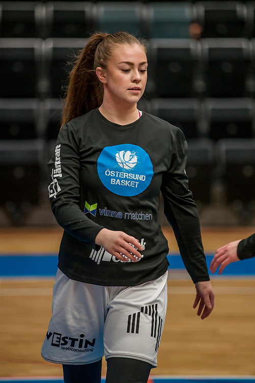 ÖSTERSUND 20200119<br /> Östersunds Moa Edström under söndagens match i Basketettan mellan Östersund Basket och RIG Liuleå i Östersunds Sporthall.<br /> <br /> Foto: Per Danielsson/Projekt.P