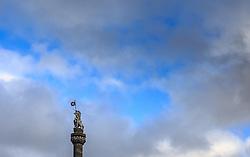 THEMENBILD - Das Mercat Cross auf dem Parlamentsplatz an der Royal Mile, Edinburgh, Schottland, aufgenommen am 06. Juni 2015 // The Mercat Cross on Parliament Square on the Royal Mile, Edinburgh, Scotland on 2015/06/06. EXPA Pictures © 2015, PhotoCredit: EXPA/ JFK