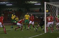 Photo: Mark Stephenson.<br />Crewe Alexander v Swansea City. Coca Cola League 1. 26/12/2006.<br />Swansea's Dennis Lawrence heads in the 3 goal.
