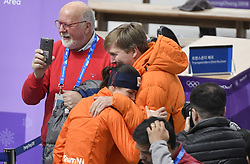 12-02-2018 SCHAATSEN: OLYMPISCHE SPELEN: OLYMPIC GAMES: PYEONGCHANG 2018<br /> Koning Willem-Alexander en Marrit Leenstra <br /> <br /> Foto: Soenar Chamid