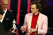 """Udo Lindenberg (li.), Christoph Süß (mi.) und Jan Bülow (re), Preisträger """"Bester Nachwuchsdarsteller"""". Verleihung des 41. Bayerischen Filmpreises 2019 am 17.01.2020 im Prinzregententheater München."""