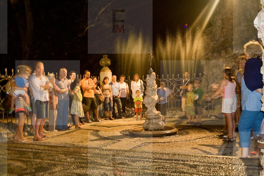 Giochi d'acqua nel Ninfeo della Villa Litta Borromeo di Lainate..Water games inside the Ninfeo of the Villa Litta Borromeo in Lainate