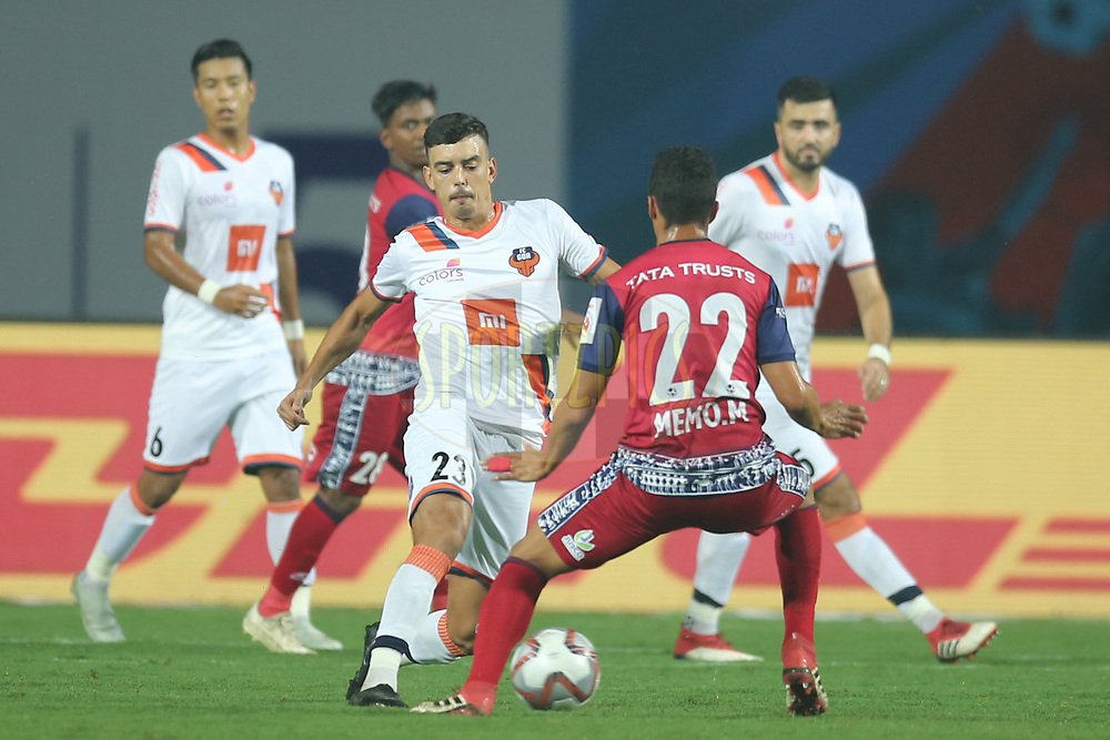 Edu Bedia of FC Goa in action during match 25 of the Hero Indian Super League 2018 ( ISL ) between Jamshedpur FC and FC Goa held at JRD Tata Sports Complex, Jamshedpur, India on the 1st November  2018<br /> <br /> Photo by: Deepak Malik /SPORTZPICS for ISL