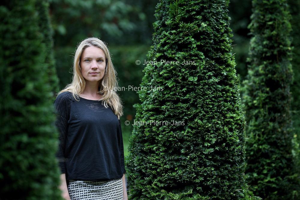 Nederland, Amsterdam , 9 juli 2014.<br /> Anniek Laura Pheifer  is een Nederlands actrice, die na de Vooropleiding Theater in Groningen de acteursopleiding heeft gevolgd aan de Theaterschool in Amsterdam. Momenteel is ze verbonden aan het Nationale Toneel in Den Haag. Voor haar acteerprestaties ontving ze in 2006 en 2009 de Guido de Moorprijs. In 2009 was ze kandidate in het AVRO tv-programma Wie is de Mol? en werd ze verliezend finalist.<br /> Foto:Jean-Pierre Jans
