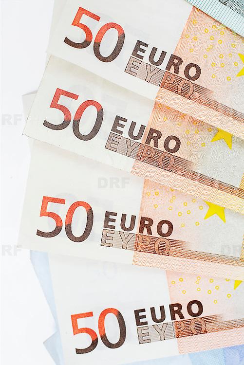 Nederland Barendrecht 29 maart 2009 20090329 Foto: David Rozing ..bankbiljetten, valuta, betaalmiddel, 50, vijftig, kosten,papiergeld,biljet,biljetten,bankbiljet,bankbiljetten,eurobiljet,eurobiljetten, betaalmiddelen,recessie, kredietcrisis, economie,.money , euro stockbeeld, stockfoto, stock, studio opname, illustratie.Foto: David Rozing