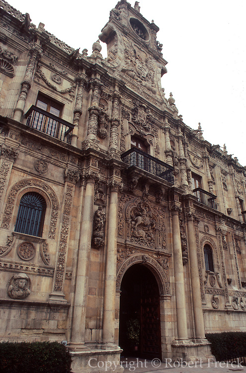 SPAIN, NORTH, CASTILE-LEON LEON: Monastery of San Marcos now a National Parador and one of Europe's finest hotels
