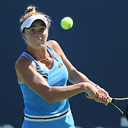 Elina Svitolina, Ukraine, in action during the first round of the Connecticut Open at the Connecticut Tennis Center at Yale, New Haven, Connecticut, USA. 24th August 2015. Photo Tim Clayton